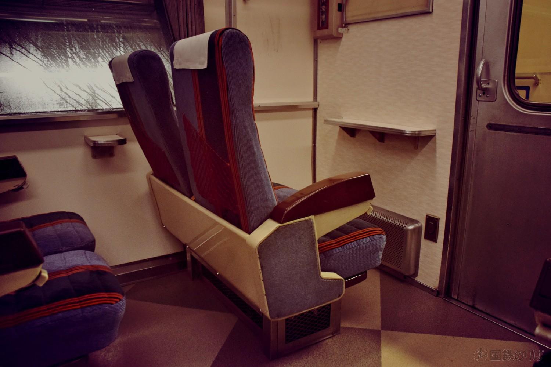 14系座席車スハフ14の車内