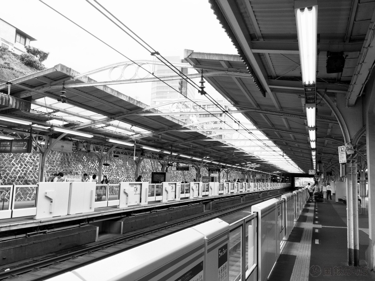 京浜東北線の古レール上屋(東十条〜田端)