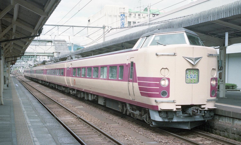 https://jnr.tokyo/kanri/wp-content/uploads/2015/11/jr-central-381-limited-express-shinano.jpg